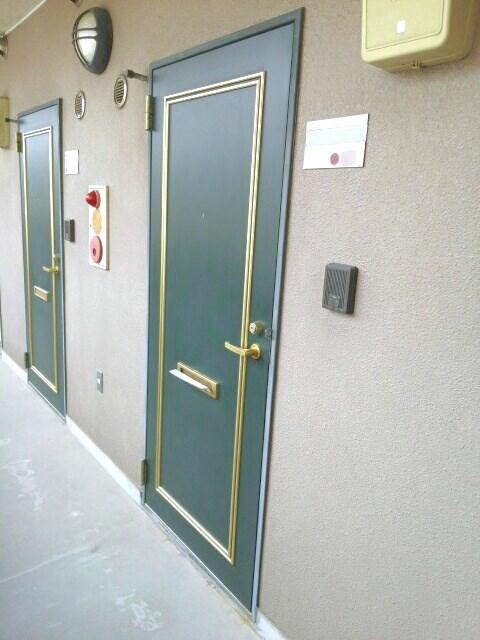 画像16:玄関